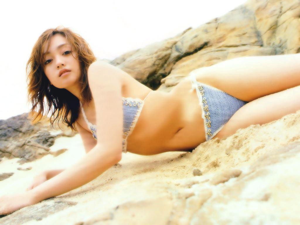 008_adati-yumi25up.jpg
