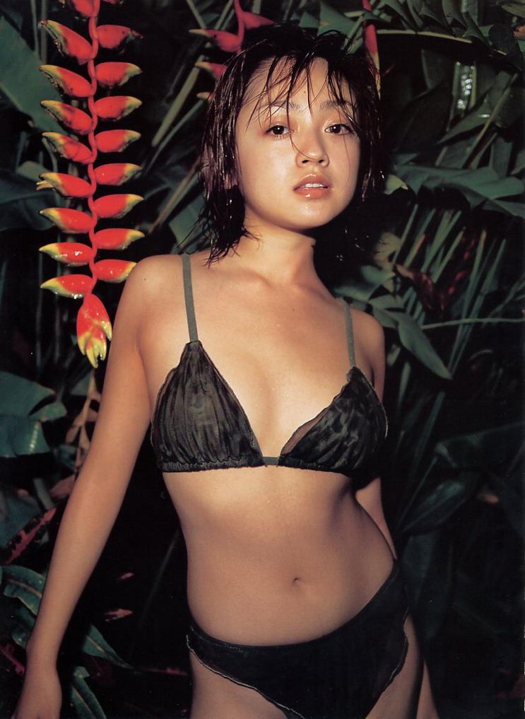 yumi-adachi-00307215.jpg