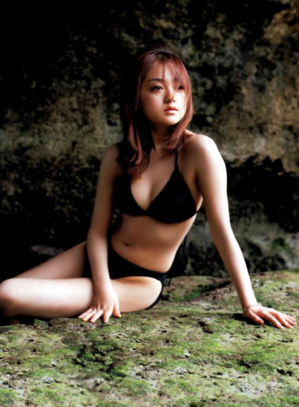 008_adati-yumi03up.jpg