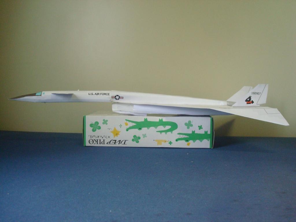 XB-70_Valkyrie_side.jpg