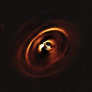 5710_rxj16153つの原始惑星系円盤