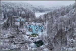 C3AOYegWEAEREwc凍結したPlitvice湖