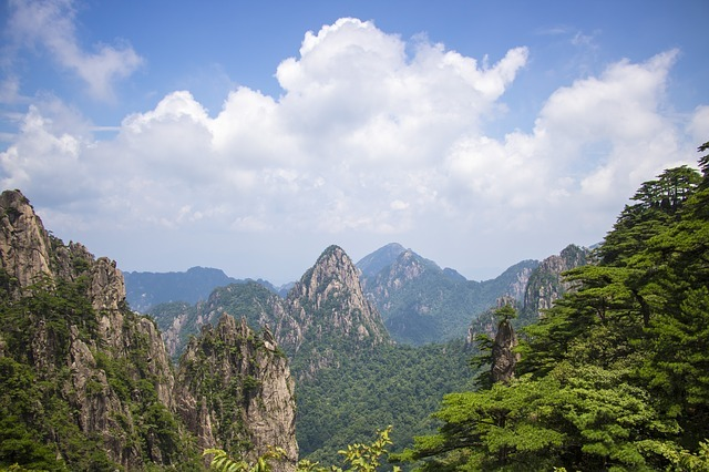 huangshan-3608538_640.jpg