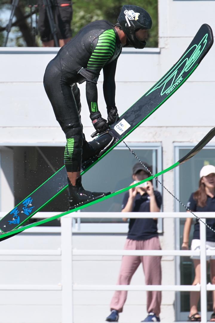 大関輝藍選手(學4) 2016JCCW M's Jump 優勝T6