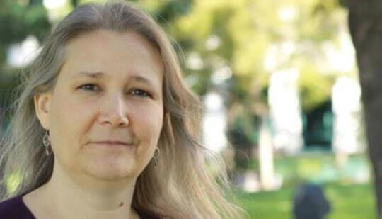エイミー・ヘニグ:ネイサン・ドレイクの華麗な脳