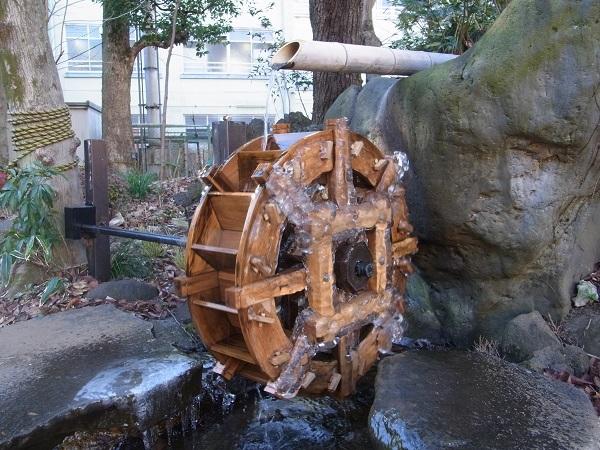 20170116水車も凍る