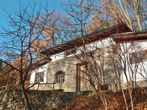 石積みの家、離れの外観