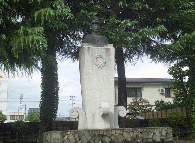 18101705.jpg