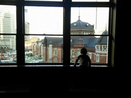旧郵便局長室から見る東京駅