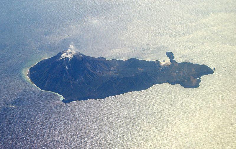 【鬼界カルデラ】鹿児島県・薩摩硫黄島に小規模な噴火が起きるおそれ…噴火警戒レベルを「2」に引き上げ