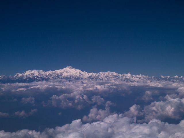 【ヒマラヤ山脈】ネパール大地震でエベレストが「約2.5cm」低くなった…専門家たちで議論になり、再測量へ