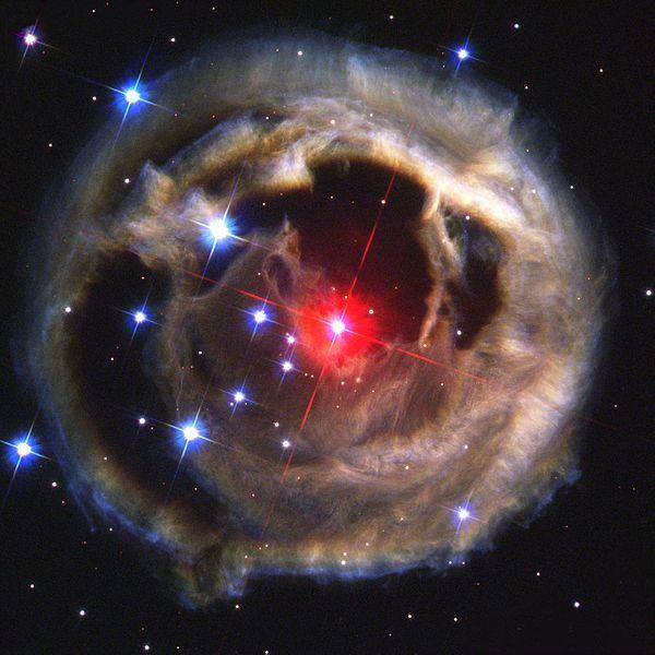 【赤色新星】5年後に恒星同士が衝突する…爆発的に赤く輝く星が肉眼で見えます!