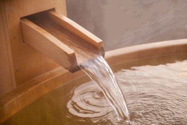 医師が教える「一番風呂が体に良くない」理由…一人暮らしは入浴剤を入れよ