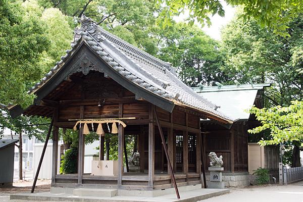 貴船神社拝殿と本殿