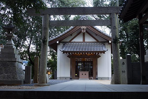 八剱神社拝殿