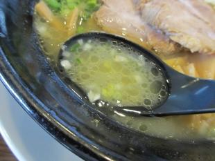 ちゅんり 蝦潮白湯麺 スープ