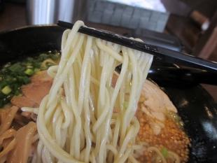 ちゅんり 蝦潮白湯麺 麺