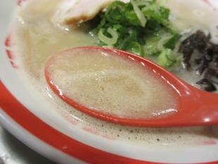 ブタシャモジ 豚ソバ スープ