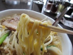 ふじの新津 NIITSU味噌SOBA 麺