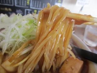 鶏処 麻婆麺 麺