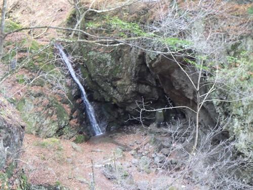 杉3綾広の滝上から見る