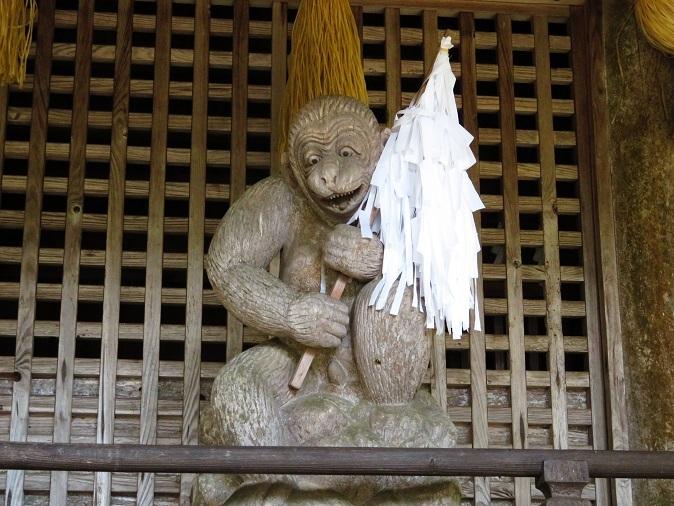 新井神社 猿の彫刻