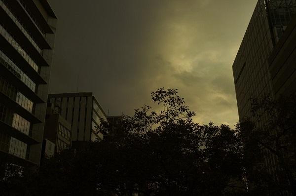 フリー画像曇り空・縮小版