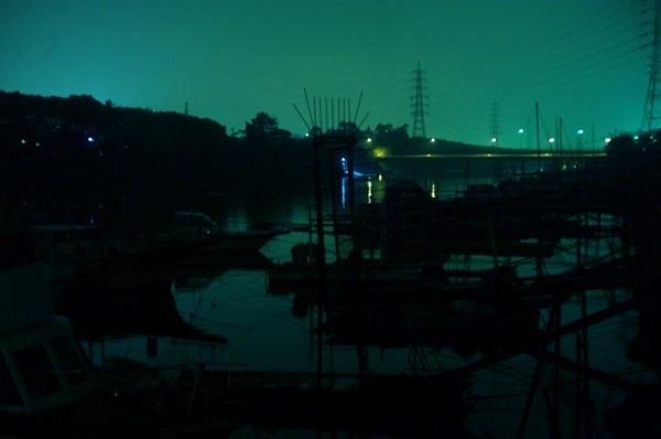 フリー画像夜の街・縮小版