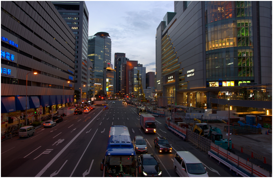 大阪駅・助手3