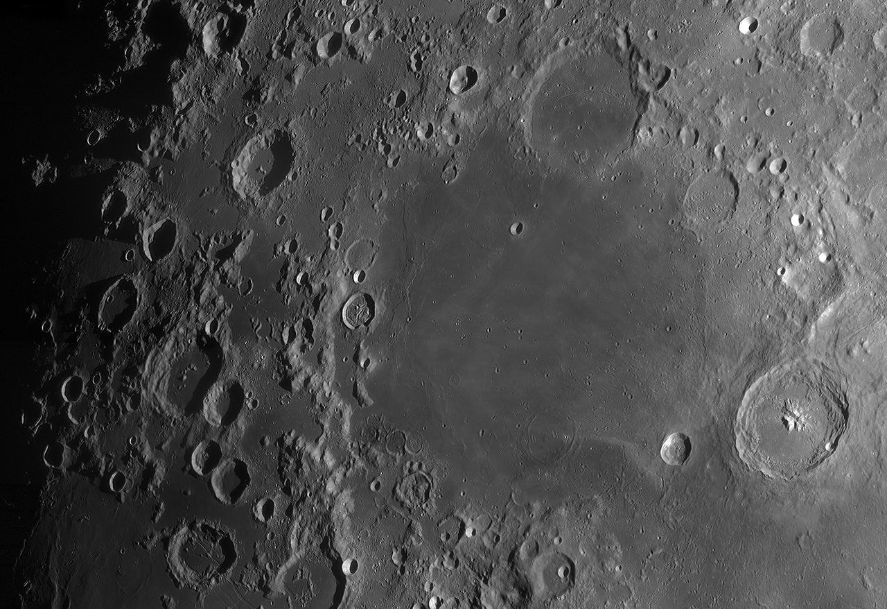 Moon_161118_013736_g3_ap2831ZX.jpg