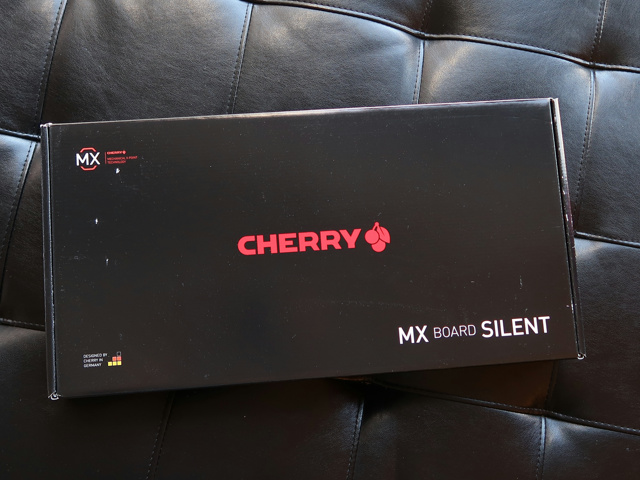 CHERRY_MX_Board_Silent_01.jpg