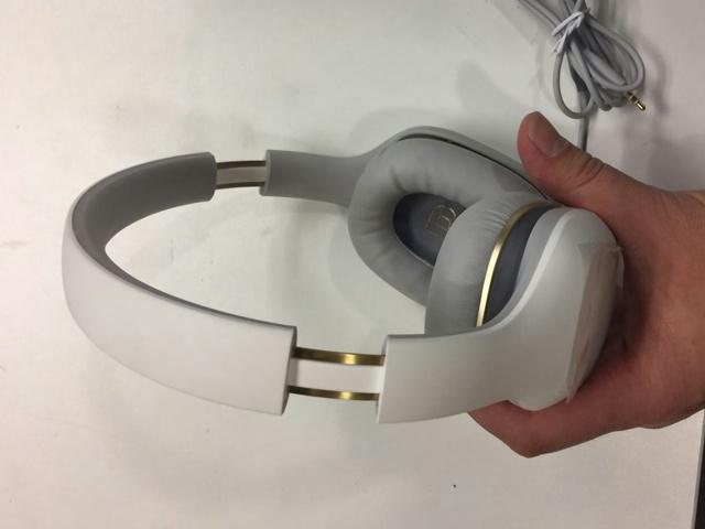 Mi_Headphones_Comfort_05.jpg