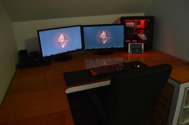 PC_Desk_MultiDisplay80_03.jpg