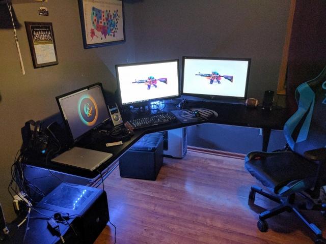 PC_Desk_MultiDisplay80_18.jpg