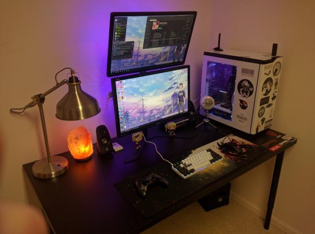 PC_Desk_MultiDisplay80_21.jpg