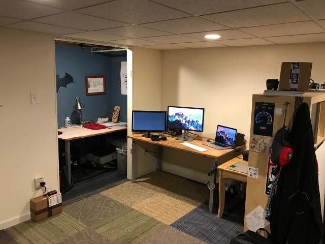 PC_Desk_MultiDisplay80_36.jpg