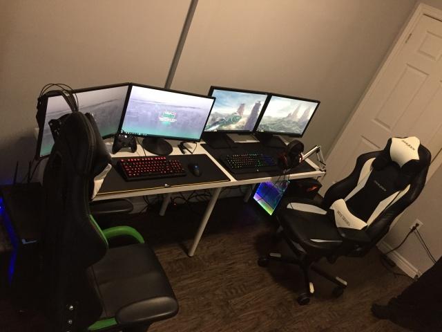 PC_Desk_MultiDisplay80_49.jpg