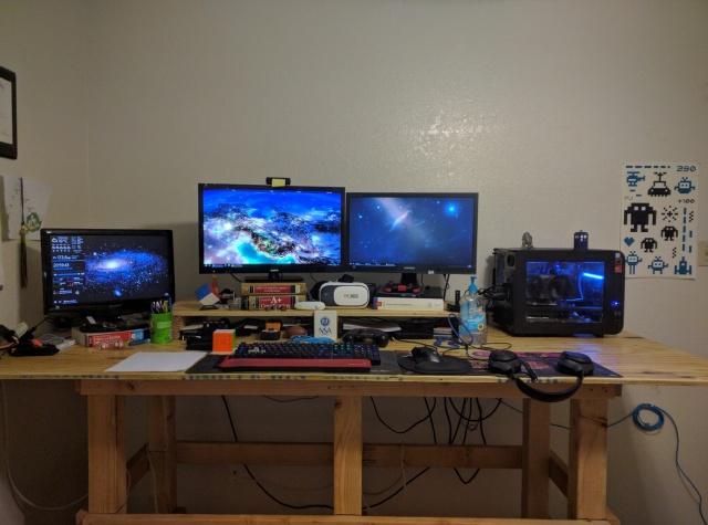 PC_Desk_MultiDisplay80_58.jpg