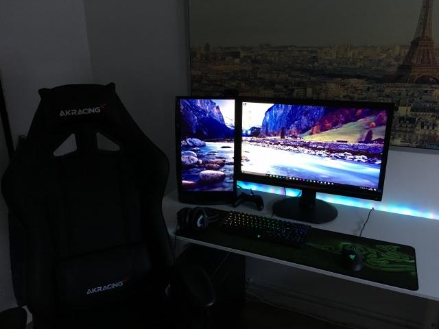 PC_Desk_MultiDisplay80_72.jpg