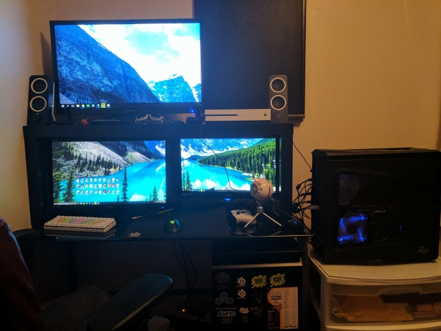 PC_Desk_MultiDisplay82_08.jpg