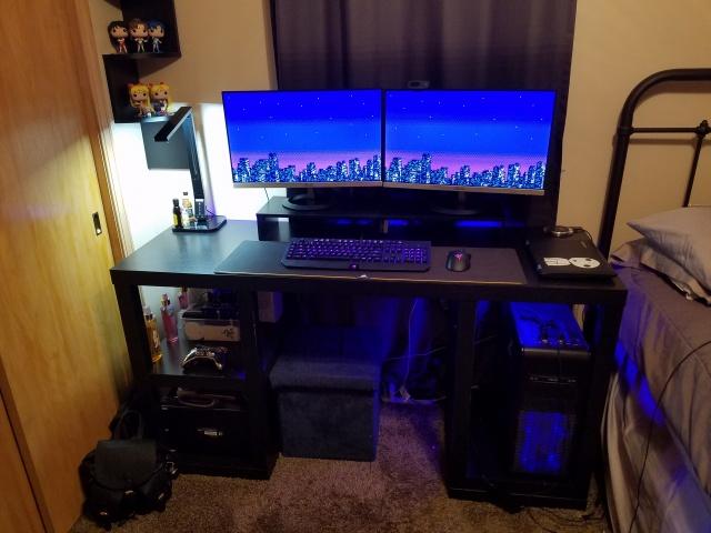 PC_Desk_MultiDisplay82_19.jpg