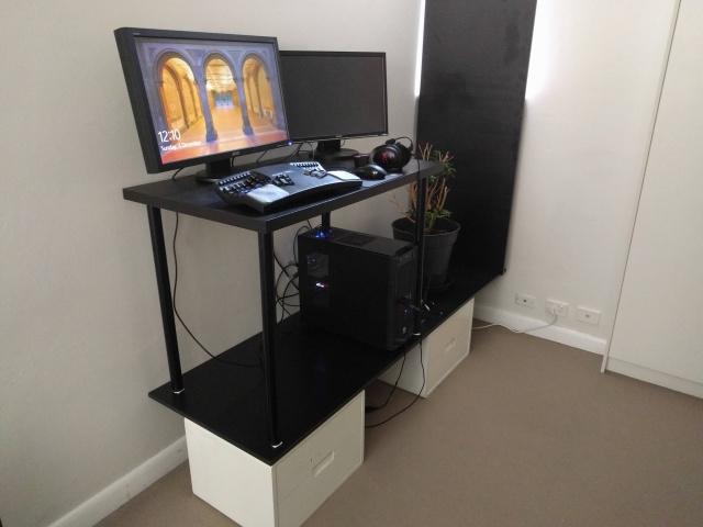 PC_Desk_MultiDisplay82_20.jpg