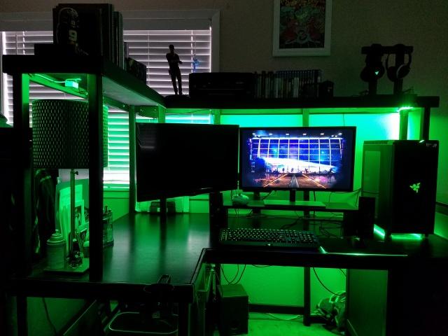 PC_Desk_MultiDisplay82_28.jpg