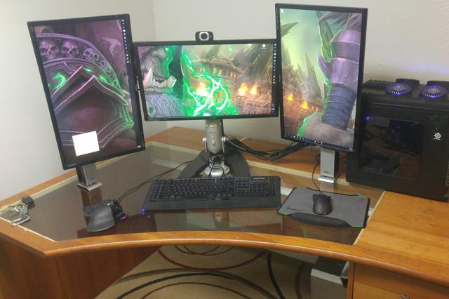 PC_Desk_MultiDisplay82_36.jpg