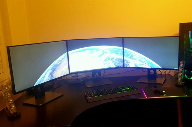 PC_Desk_MultiDisplay82_55.jpg