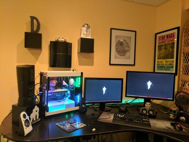 PC_Desk_MultiDisplay82_57.jpg