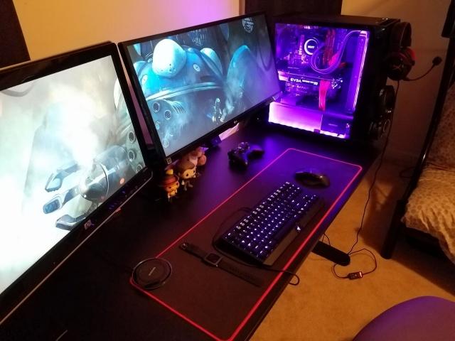 PC_Desk_MultiDisplay82_61.jpg