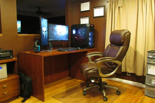 PC_Desk_MultiDisplay82_70.jpg