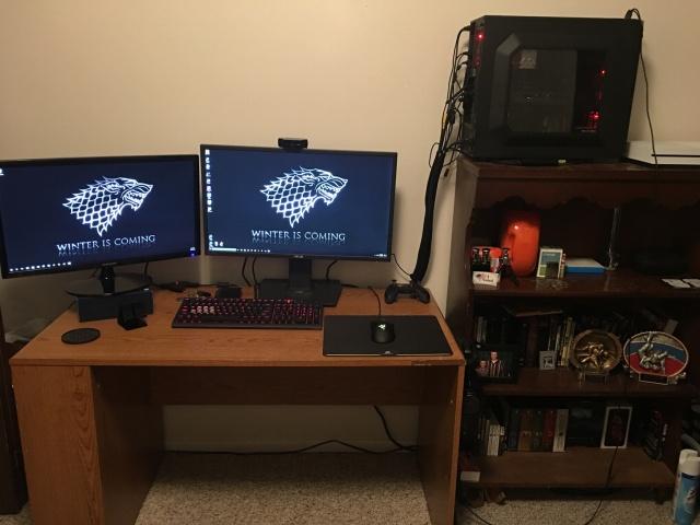 PC_Desk_MultiDisplay82_77.jpg