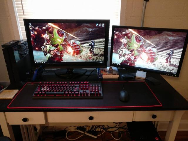 PC_Desk_MultiDisplay82_89.jpg